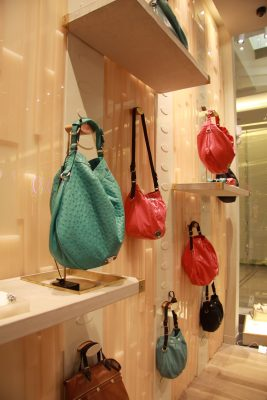 acrylic handbag display for mulberry stores